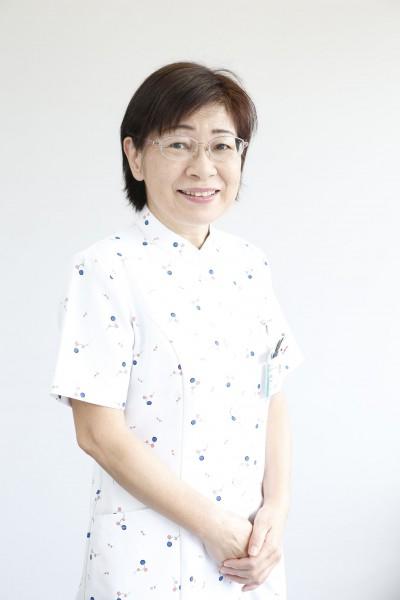 看護部長 砂川 鶴子