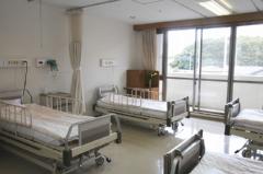 所沢ロイヤル病院の病室写真